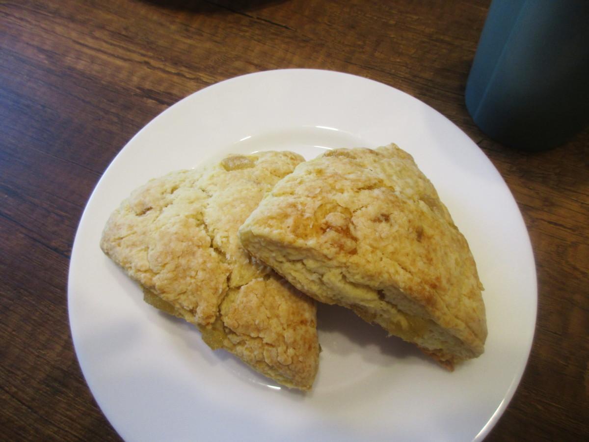 bakery-style ginger scones